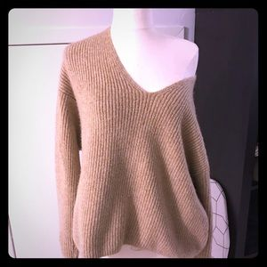 h&m • off the shoulder chunky knit v-neck sweater